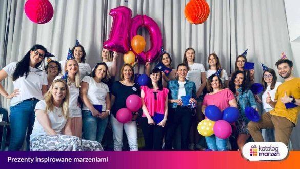 Zespół Katalogu Marzeń świętuje 10 urodziny firmy i wydanie specjalnego raportu